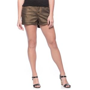 🌟 Size 30 Gold Shorts 🌟 by Andrew Charles